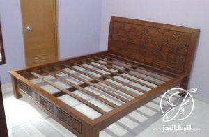 Tempat Tidur Jati Minimalis Kawung