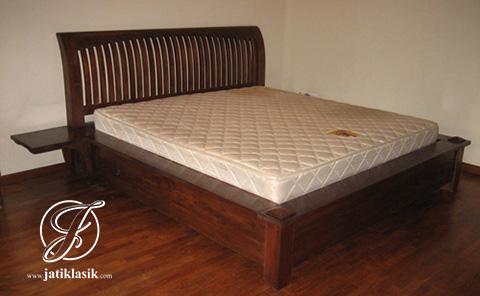 Tempat Tidur Minimalis Simpel Jati Klasik