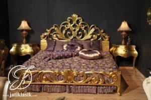 Tempat Tidur Ukir Emas French Style