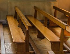 Bangku Gereja Minimalis Jati Simpel Mewah