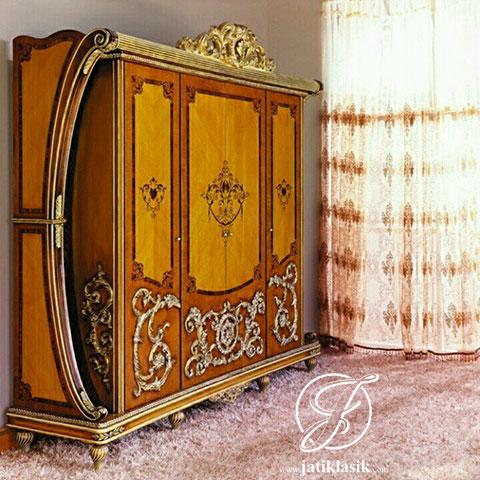 Lemari Pakaian Racoco Jati Klasik 4 Pintu