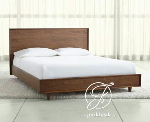 Tempat Tidur Minimalis Retro Kayu Jati