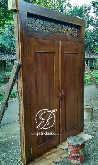Desain Pintu Rumah Jati Minimalis Ukir Gebyok Modern