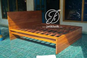 Dipan Kayu Jati Minimalis Modern Model Sederhana Terbaru