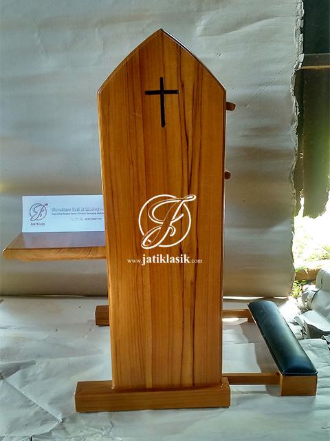 Kursi Gereja Katolik Minimalis Sederhana Kayu Jati