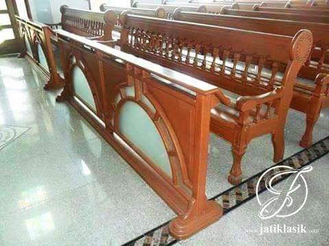 Partisi Bangku Gereja Jati Jepara Harga Termurah